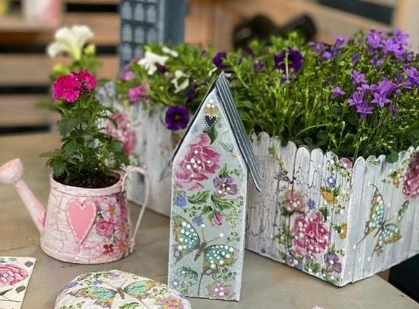 Jak na dekorativní domečky do zahrádky